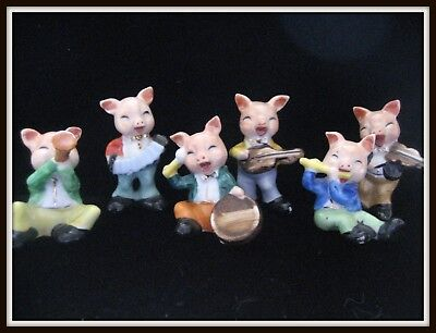 MUSICAL Pig Band Anthropomorphic, 6 happy pigs playing instruments