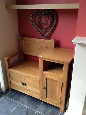 Solid Oak Vancouver Seat/Table with storage - *Excellent condition*