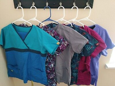Medium Size Scrubs, Lot Ladies 11 pcs