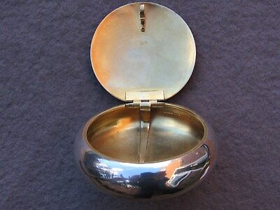 Solid Silver Tobacco Pebble 1914