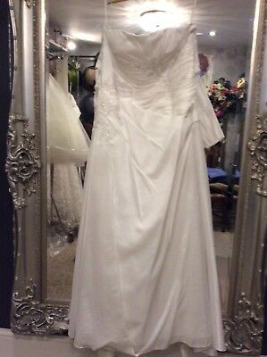 Ex Sample Ivory Gown By Linzi J  Size 18 US/UK?
