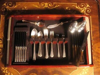 sterling silverware set Damask rose heirloom 41 pc. excellent cond.. with case