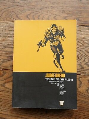 Judge Dredd: Complete Case Files v. 2 by John Wagner