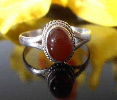 Sterling Silver 925 Carnelian ring Oval stone with split band stamped sz 8 or P