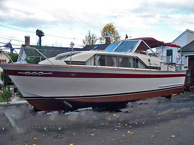 1966 30ft Chris Craft Constellation wooden cabin cruiser