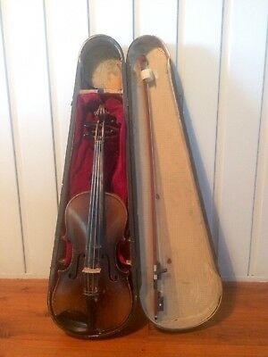 Antique Violin with Timber Case
