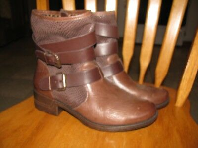 Womans Sofft leather Boots Size 10