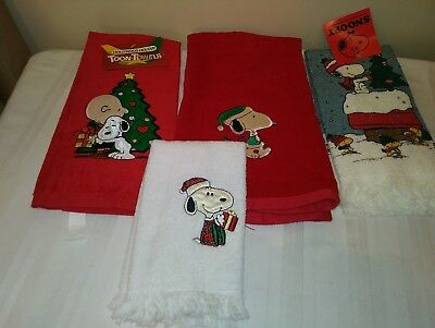 4 Snoopy/ Charlie Brown Xmas Hand Towels New