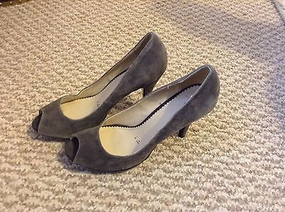 Lovely Pair Of Ladies High Heels From Jasper Conran Size 7