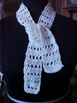 "Childs Baby Neck Scarf Hand Knit White 2 1/2"" x 45"" Poly Blend String Tie Effect"