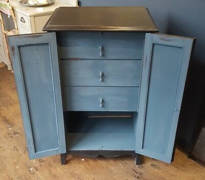 Lovely professionally painted vintage cabinet with 3 internal drawers