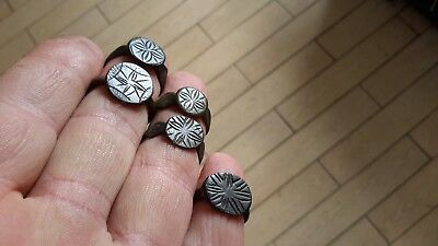 Good Wearable Lot Of Similiar Type 1700s Rings
