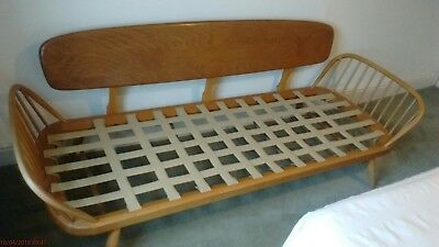 Ercol Windsor Solid Elm & Beech Framed Studio Couch / Day Bed