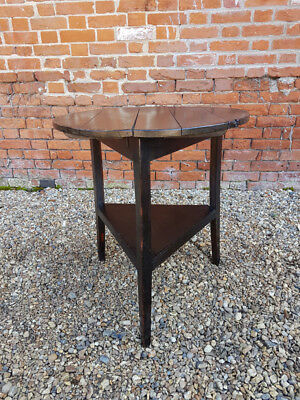 Late 18th Century English Antique Cherrywood Cricket Table