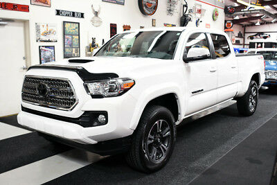 2017 Toyota Tacoma DOUBLE CAB 4X4 6-FT LONG BED TRD SPORT MOONROOF 9662 MILES CLEAN CARFAX LONG BED 4X4 TRD SPORT DOUBLE CAB MOONROOF, HEATED SEATS