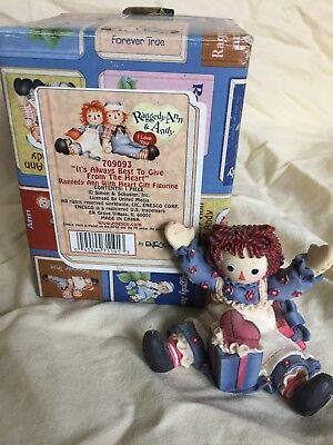 "Raggedy Ann and Andy - ""It's Always Best to Gove From the Heart: minifigure 7090"