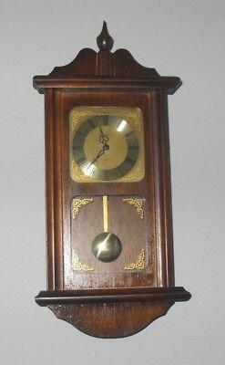 VINTAGE 1970s PRESIDENT OF GERMANY SMALL PENDULUM OAK WOOD BATTERY WALL CLOCK