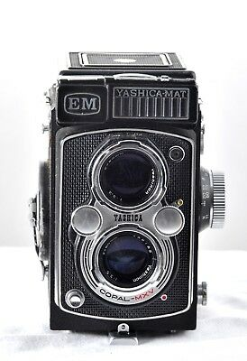 Yashica-mat EM 120mm TLR- classic medium format 6X6- great for spring 2018