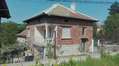 A solid ,two storey house in the village of Gorna Kremena,Mezdra,Bulgaria