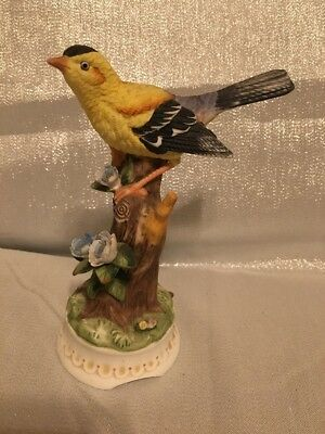 Towle Fine Bone China Yellow Oriole Music Box Figurine, Plays Unknown Song