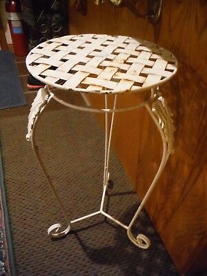 VINTAGE METAL PLANT STAND WHITE FLORAL DESIGN QUILTED TOP 13'' x 27''