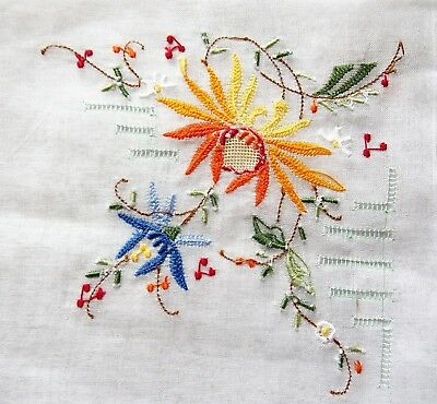 Vintage 1970s Hand Embroidered Linen Women's Handkerchief