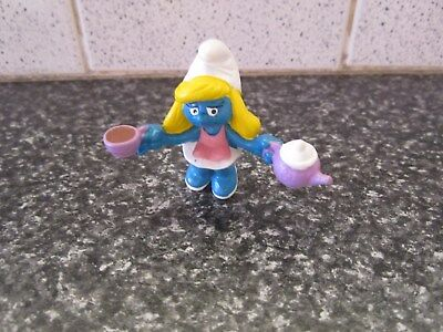 Smurfs Smurfette with Teapot and cup Vintage Rare