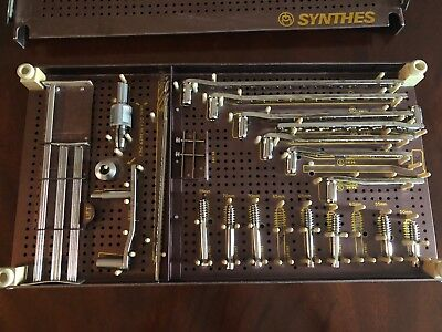 Synthes D.C.S Dynamic Condylar Screw System Tray