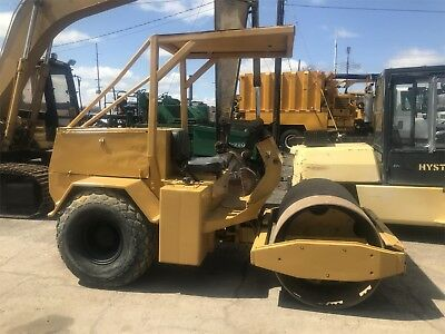 1984 IBH SDR1400 Compact Smooth Drum Dirt Roller