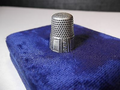 ANTIQUE STERLING SILVER WAITE THRESHER Co. THIMBLE SIZE 10 FULL HALLMARK