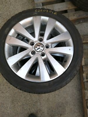 VW golf 17 inch wheels and tyres