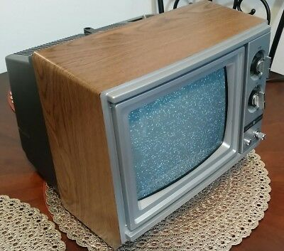 Vintage GE General Electric Television 8-0904 1986 Old Fat TV RETRO Classic K-20