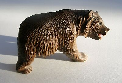 Well Carved Antique Black Forest wood bear circa 1900  -  8 cm long, glass eyes