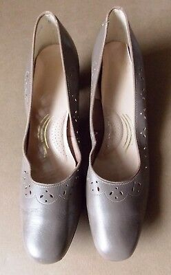 Vintage Size 10.5 Selby Pale Brown Leather Women's Shoes