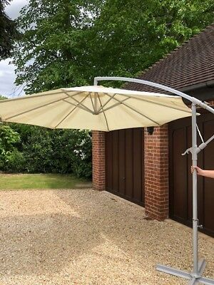 great beautiful ikea karlso cantilever parasol with tuinparasol ikea with ikea lichtstrip. Black Bedroom Furniture Sets. Home Design Ideas