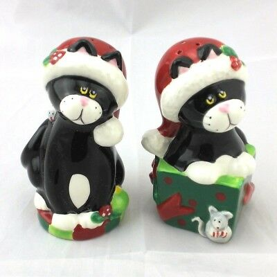 Xmas Kitty Cats In Santa Hats Ceramic Salt and Pepper Shaker Figural Set Mouse