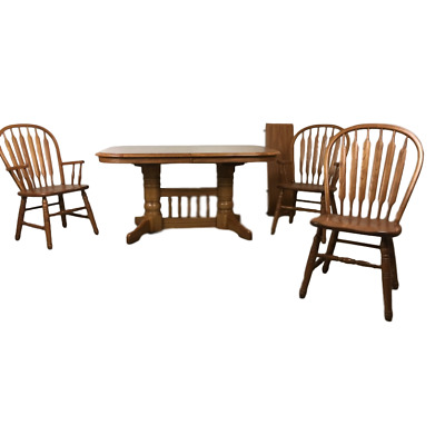 Vintage Oak Kitchen Table & Windsor Chairs.. Oval w/ Leaf.. Solid Wood.. Spindle