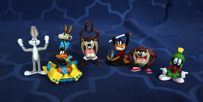 Lot of 7 Looney Tunes Figures Bugs Coyote Daffy Martian Taz Devil