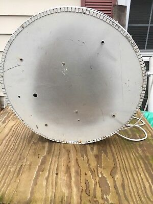 """30"""" diameter Union 76 lighted sign. Gas and oil company."""