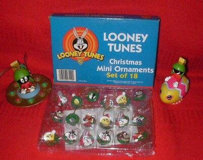20- Looney Tunes Marvin The Martian EASTER & CHRISTMAS ORNAMENTS (18 MINI)