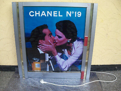 Leuchtreklame-CHANEL NO.19-MADE IN FRANCE