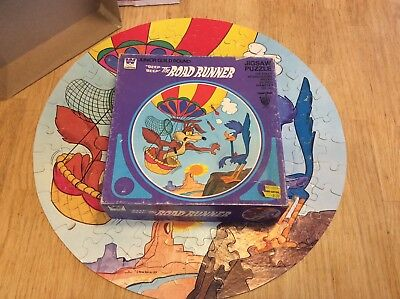 Rare vintage Circle Road Runner/ Wiley Coyote Puzzle 1979 WB,Looney Tunes