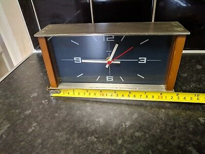 Vintage Retro 1970 Metamec Quartz Mantle Clock Made In UK,good working order