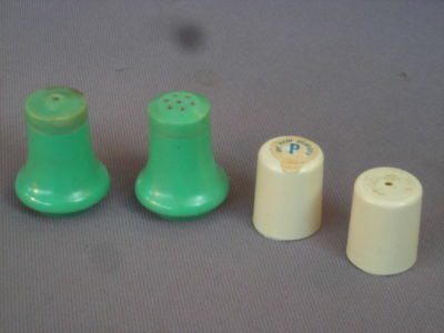 Vintage Airline SALT, PEPPER Containers - ANA (Bakelite), Air New Zealand, Plane