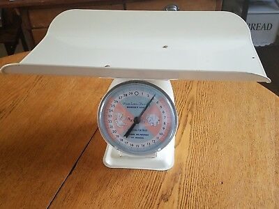 Vintage AMERICAN FAMILY Nursery Scale Weighs 30# by Ounces White