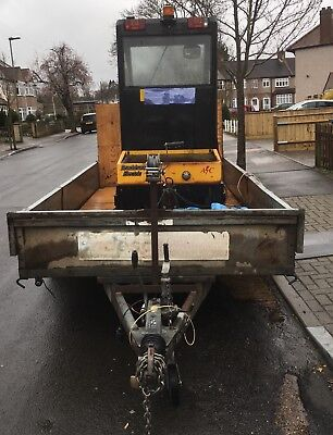 Bradshaw tug (working)and Challanger trailer included in price ABSOLUTE BARGAIN