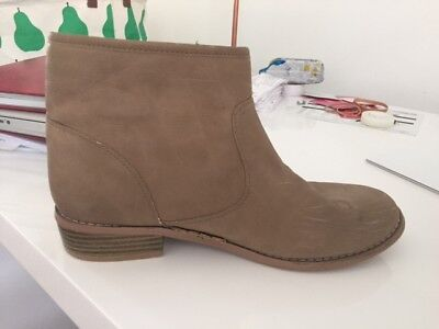 Ankle Boot, ladies size 39, SPORTSGIRL, brown.