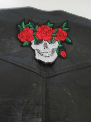 "Grand patch écusson ""tête de mort 3 roses ""biker, harley,moto,country,13 X 15 cm"