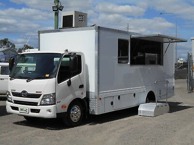 Food Truck - Hino 917 *** 2016 Model - AS NEW ***