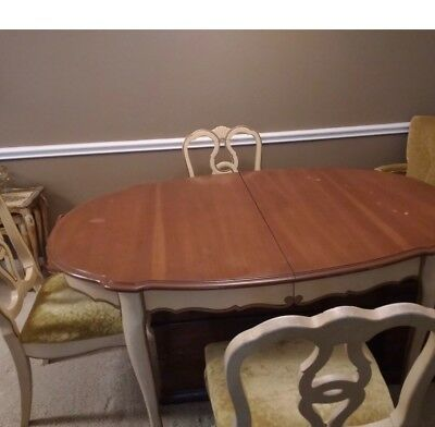 French provincial table and 6 chairs-used good condition(2 arm chairs+4straight)